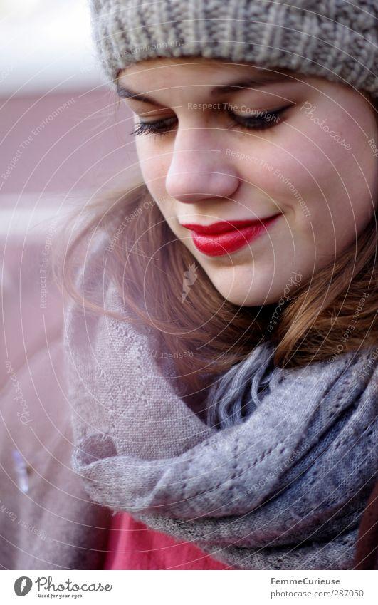 RedLips. Frau Jugendliche schön Freude Winter Erwachsene Junge Frau feminin grau Stil 18-30 Jahre elegant Mund Lifestyle Lippen brünett
