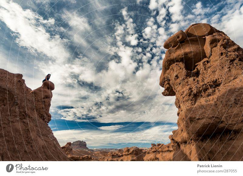 Kampf der Giganten Mensch Natur Ferien & Urlaub & Reisen Sommer Landschaft Ferne Umwelt feminin Freiheit Sand Gesundheit Luft Felsen Wetter Klima Zufriedenheit