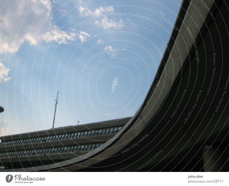 Berlin-Tegel Himmel Stadt Gebäude Architektur Beton Flughafen Kurve