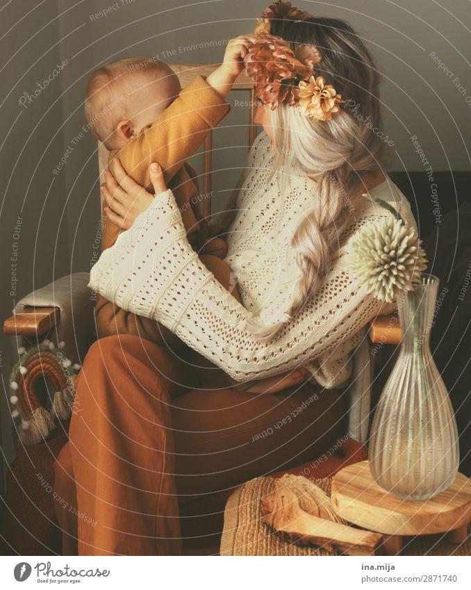 LIEBE II Mensch Kleinkind Junge Frau Jugendliche Erwachsene Mutter Familie & Verwandtschaft Kindheit Leben 1 1-3 Jahre 18-30 Jahre Haare & Frisuren blond