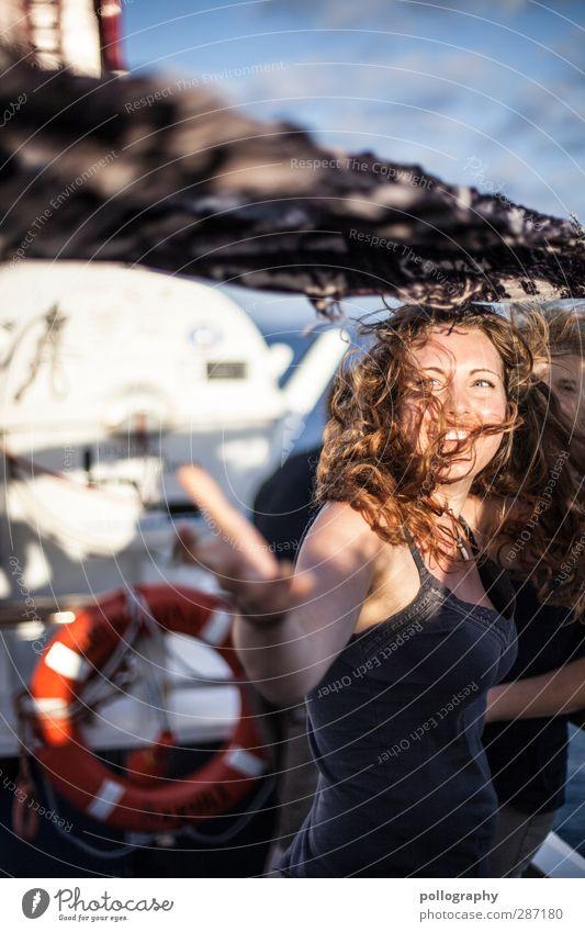 stormy weather (1) Mensch Frau Himmel Jugendliche schön Meer Freude Wolken Erwachsene Junge Frau Leben feminin Gefühle lachen Glück 18-30 Jahre