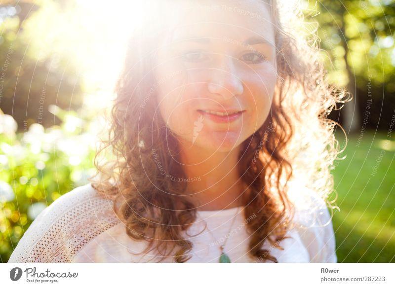 UNBELIEVABLE BEAUTIFUL Mensch Kind Natur Jugendliche grün schön Mädchen Erwachsene Junge Frau feminin Gefühle Glück Kopf 18-30 Jahre Stimmung braun