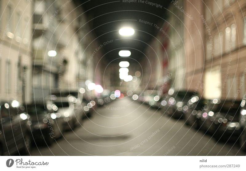 Nachts unterwegs Stadt Haus Architektur Fassade München Stadtzentrum Alkoholisiert Nachtleben ausgehen Fußgängerzone