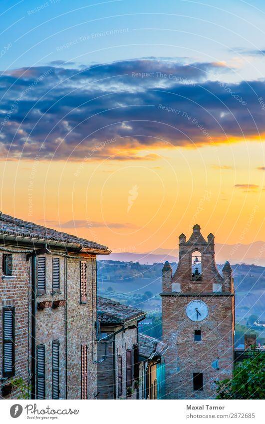 Sonnenuntergang über Gradara Tourismus Uhr Landschaft Burg oder Schloss Gebäude Denkmal Stein alt historisch Europa Italien Marche antik Klingel Baustein Fort