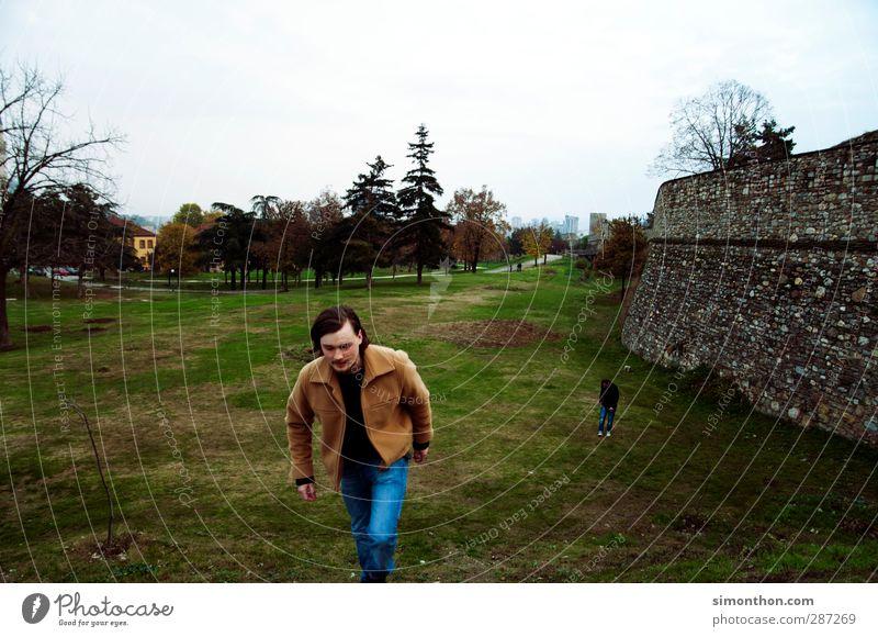 Reisen Mensch Ferien & Urlaub & Reisen Jugendliche Stadt Ferne Wand Gebäude Mauer Park Tourismus wandern Ausflug Europa Abenteuer Bauwerk Burg oder Schloss