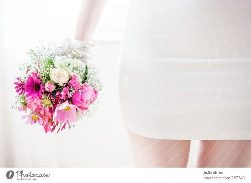 Happy Birthday Photocase! Lifestyle elegant Stil feminin Junge Frau Jugendliche 1 Mensch Blume Blüte Blumenstrauß Kleid stehen hell schön rosa weiß Liebe