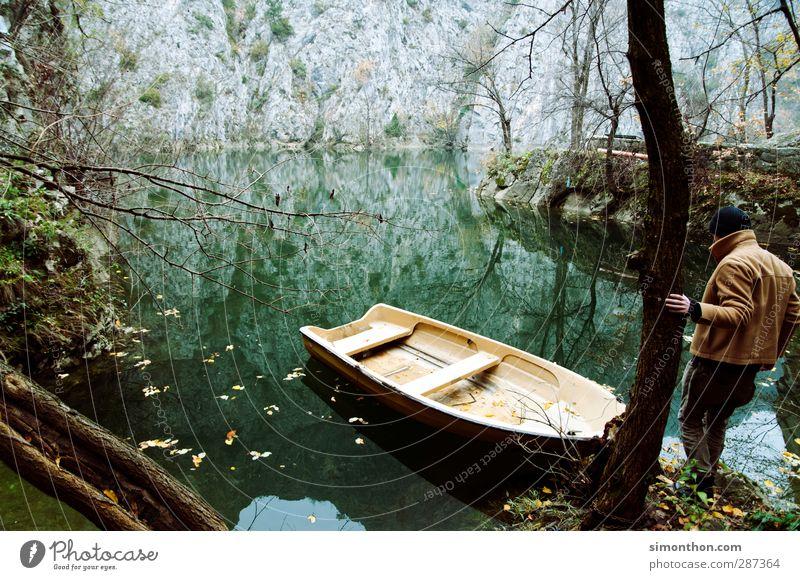 Reisen Mensch Natur Ferien & Urlaub & Reisen Wasser Winter Ferne Umwelt Berge u. Gebirge Herbst Freiheit Küste See Felsen maskulin wandern Ausflug