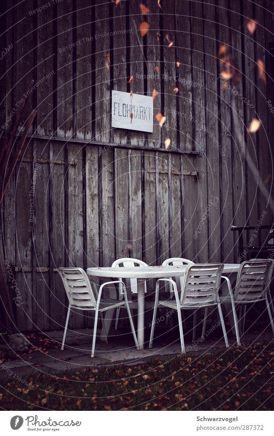 Winter.Schluss.Verkauf. Einsamkeit ruhig Winter geschlossen kaufen Pause Handel sparsam karg Flohmarkt
