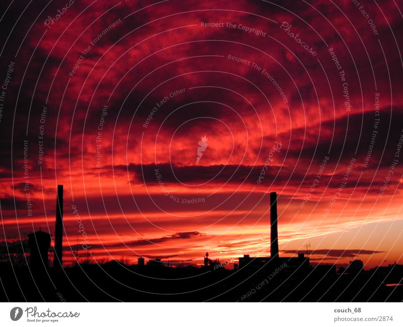 sonnenuntergang Himmel Stadt rot Wolken Farbe Wärme Physik Schornstein Sonnenuntergang