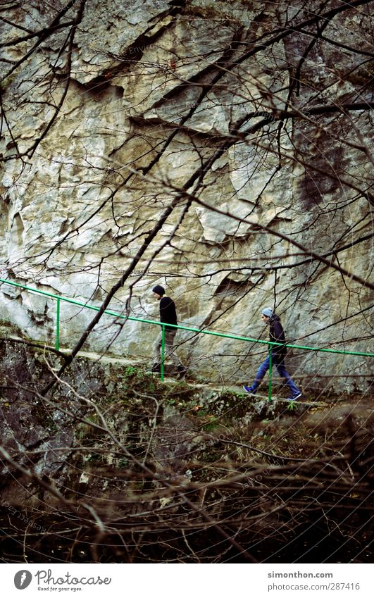 Reisen Ferien & Urlaub & Reisen Ausflug Abenteuer Ferne Expedition Berge u. Gebirge wandern maskulin 2 Mensch Natur Herbst Winter schlechtes Wetter Felsen