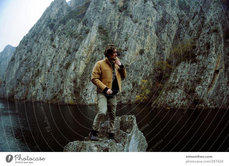 Eroberer Ferien & Urlaub & Reisen Ausflug Abenteuer Ferne Freiheit Berge u. Gebirge wandern maskulin 1 Mensch 18-30 Jahre Jugendliche Erwachsene Natur