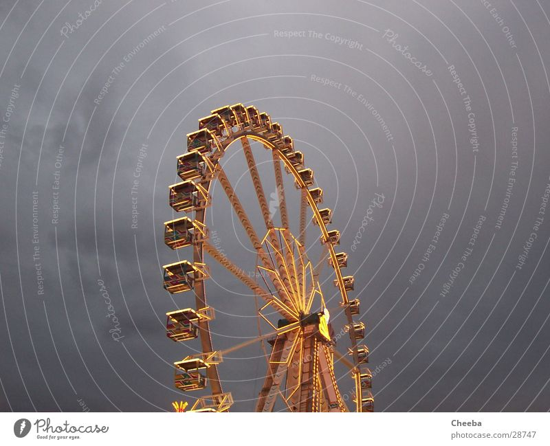 Psychedelic Riesenrad come Himmel Feste & Feiern hoch groß Jahrmarkt