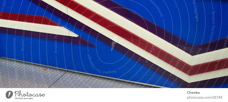 Rallyekartoffelpuffer blau weiß rot Linie Wohnung stehen Streifen Jahrmarkt Fototechnik Autorennen