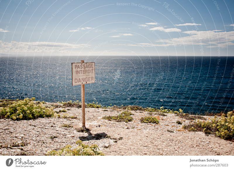 DANGER Himmel Natur blau Meer Landschaft Ferne Umwelt Freiheit Küste Horizont Schilder & Markierungen Schönes Wetter gefährlich Abenteuer fallen Aussicht