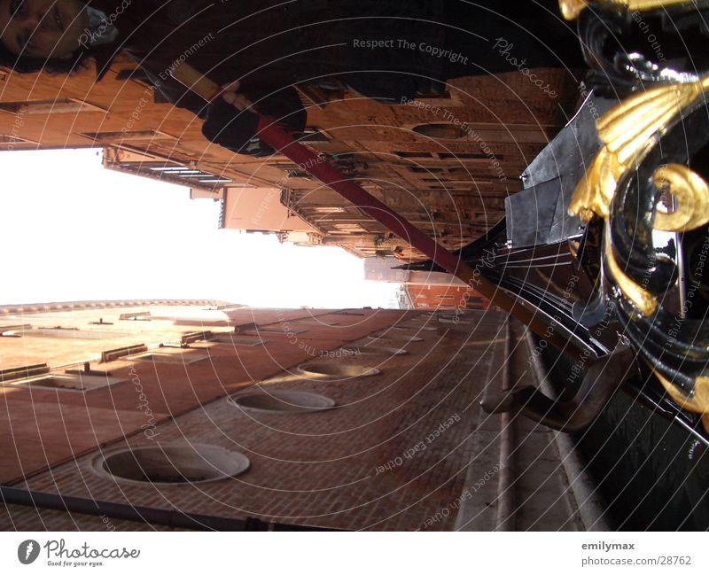 Canale alt Haus Gebäude Wasserfahrzeug Europa Romantik historisch eng Sightseeing Venedig Bildausschnitt Anschnitt Palast Gondel (Boot) Städtereise Gracht
