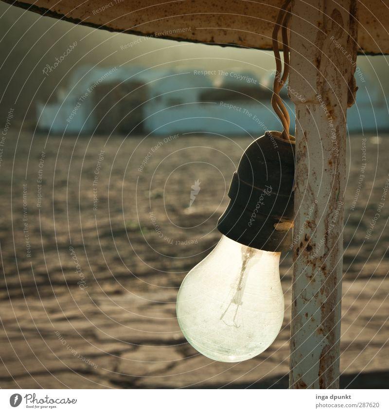 Erste Weihnachtsbirne Wärme Beleuchtung Lampe Metall Energie Elektrizität Wüste trocken Stahlkabel Vergangenheit Verfall Rost Glühbirne Draht Temperatur