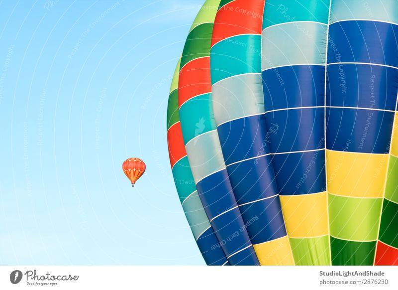 Himmel Ferien & Urlaub & Reisen blau Farbe Freude Sport klein Freiheit fliegen Freizeit & Hobby hell Verkehr Aktion Abenteuer Fotografie Luftballon