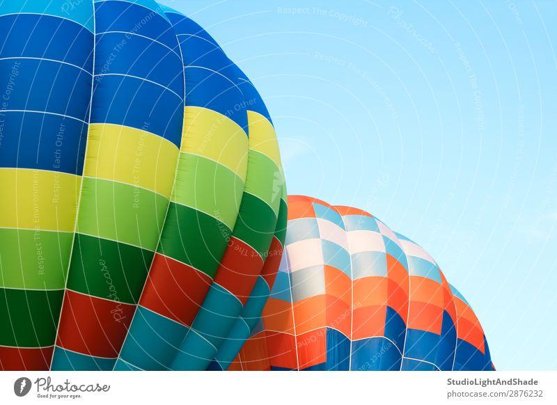 Himmel Ferien & Urlaub & Reisen blau Farbe grün Freude Sport Freiheit fliegen Freizeit & Hobby hell Verkehr Aktion Abenteuer Fotografie Luftballon
