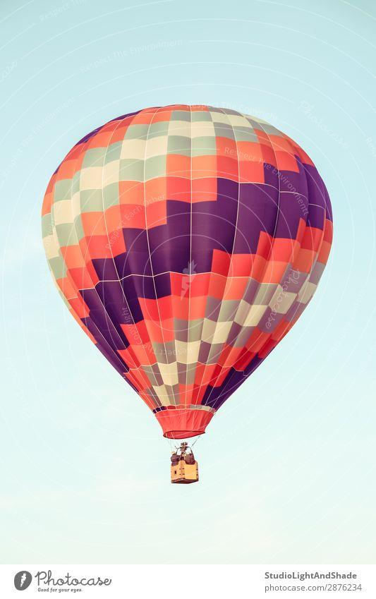 Roter und violetter Heißluftballon Freude Freizeit & Hobby Ferien & Urlaub & Reisen Abenteuer Freiheit Sport Himmel Verkehr Fluggerät Ballone Luftballon alt