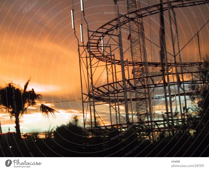 Skulptur Ferien & Urlaub & Reisen Gleise Karussell St. Tropez Cannes Nizza Sonnenuntergang Elektrisches Gerät Technik & Technologie orange Abend Cote d'Azur