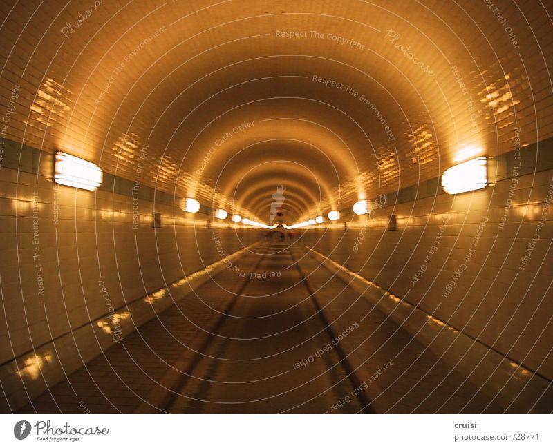 Fluchtpunkt Hamburg Verkehr Tunnel Anlegestelle Elbe Mittelpunkt unterirdisch Fluchtpunkt Sankt Pauli-Elbtunnel