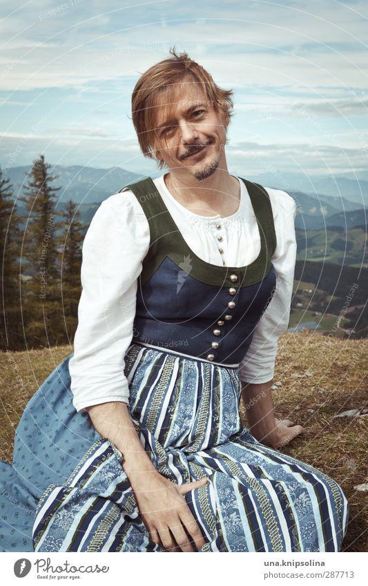 die sennerin vom königssee Lifestyle schön Tourismus Berge u. Gebirge wandern Mann Erwachsene 1 Mensch 30-45 Jahre Natur Landschaft Baum Wiese Alpen Mode Kleid