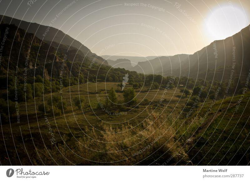Morgenstimmung Natur Ferien & Urlaub & Reisen ruhig Landschaft Ferne Berge u. Gebirge Freiheit Stimmung Europa Ausflug Hügel Asien Tal Sonnenuntergang Georgien