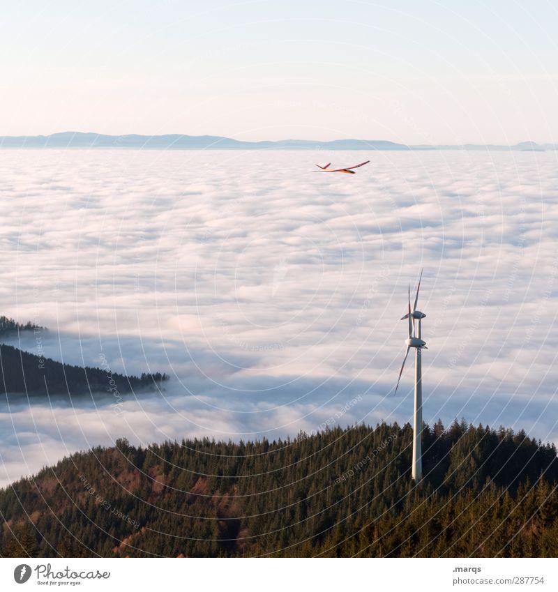 Windkraft Natur Wald Umwelt Berge u. Gebirge Freiheit außergewöhnlich fliegen Klima Energiewirtschaft Nebel Luftverkehr Schönes Wetter Flugzeug Zeichen Hügel