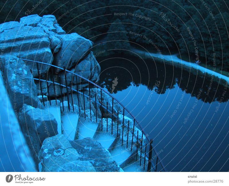 blaue Lagune Wasser blau Felsen Romantik Mond unheimlich Vollmond Detmold