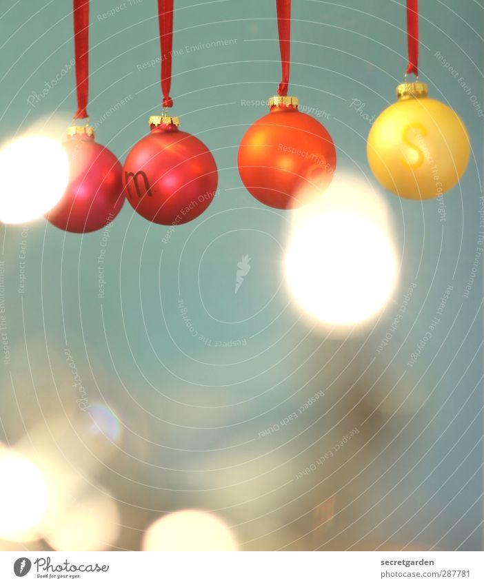 ....mas Weihnachten & Advent schön rot gelb Feste & Feiern Stimmung orange Wohnung glänzend Schriftzeichen rund Kitsch Kugel verträumt Weihnachtsdekoration