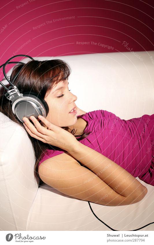 Make my day Mensch Jugendliche schön Junge Frau Erwachsene 18-30 Jahre Erotik Gefühle feminin Stil träumen rosa Musik elegant Lifestyle 13-18 Jahre