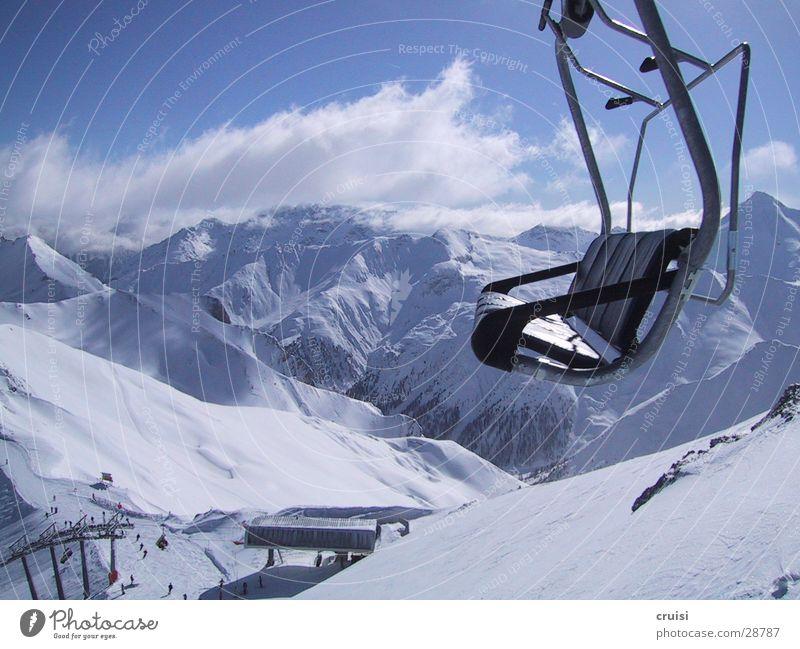 Hochsitz Winterurlaub Tiefschnee Neuschnee Ischgl Sessel Sesselbahn Panorama (Aussicht) alpin Sport Schnee Berge u. Gebirge Alpen Powder groß