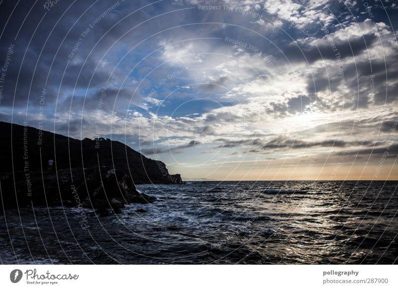 bedeckt Himmel Natur Ferien & Urlaub & Reisen Wasser Sommer Meer Wolken Landschaft Ferne Gefühle Freiheit Küste Horizont Felsen träumen Wellen