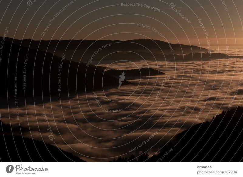 dunkle Inversion Natur Landschaft Luft Wasser Himmel Wolken Horizont Herbst Klima Wetter schlechtes Wetter Nebel Hügel Berge u. Gebirge Schlucht dunkel hoch