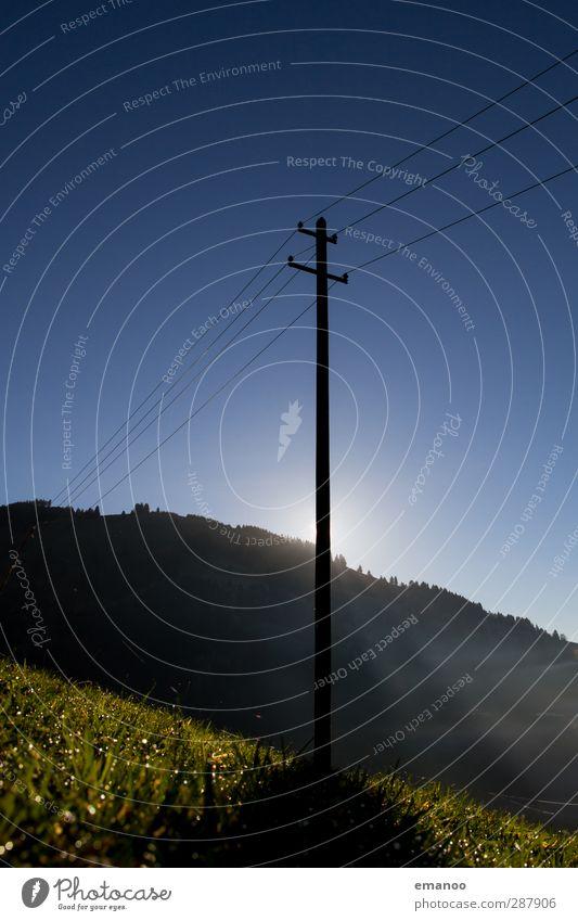 Strom im Grünen Kabel Technik & Technologie Fortschritt Zukunft Energiewirtschaft Erneuerbare Energie Sonnenenergie Natur Landschaft Himmel Klima Klimawandel