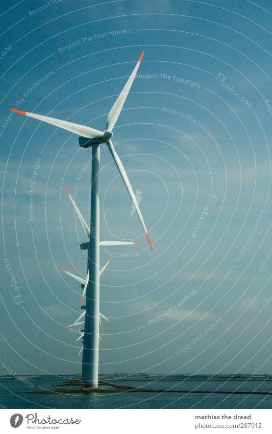 WINDKRAFT Energiewirtschaft Erneuerbare Energie Windkraftanlage Industrie Umwelt Natur Luft Wasser Himmel Wolken Horizont Sommer Schönes Wetter Küste drehen