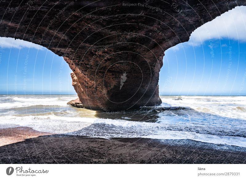 Fels in der Brandung Ferien & Urlaub & Reisen Tourismus Ausflug Ferne Strand Meer Wellen Umwelt Himmel Schönes Wetter Felsen Küste Atlantik außergewöhnlich