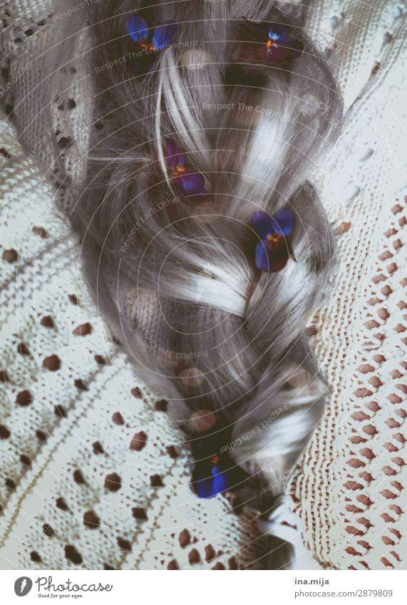 Vergiss mein nie... Mensch feminin Junge Frau Jugendliche Erwachsene Weiblicher Senior Großmutter Leben Haare & Frisuren Pflanze Blume Blüte Vergißmeinnicht