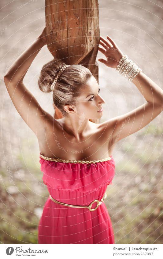 Athene elegant Stil schön feminin Junge Frau Jugendliche 1 Mensch 18-30 Jahre Erwachsene Kleid Accessoire Schmuck Haare & Frisuren ästhetisch außergewöhnlich