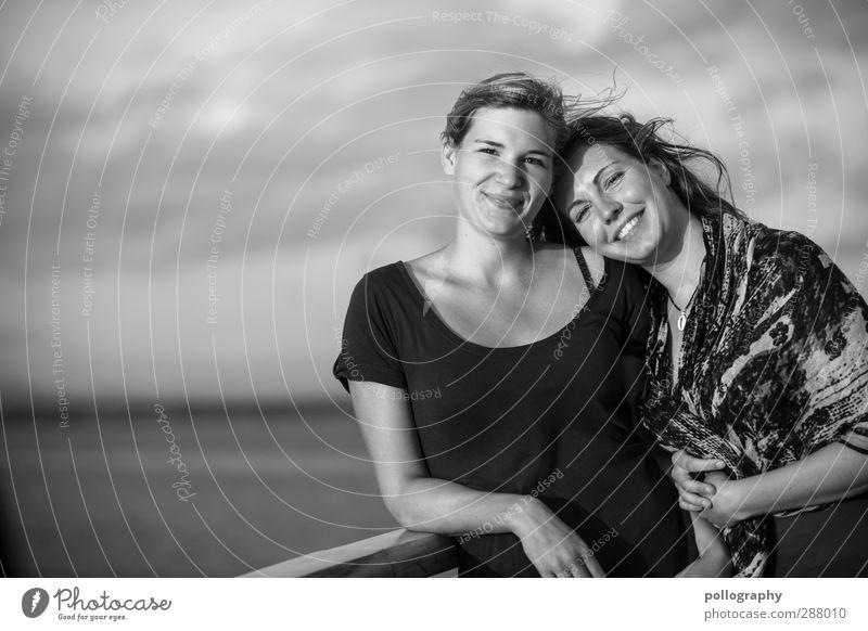 that's friendship (2) Mensch feminin Junge Frau Jugendliche Erwachsene Freundschaft Leben Körper 18-30 Jahre Natur Himmel Wolken Horizont Schönes Wetter Meer