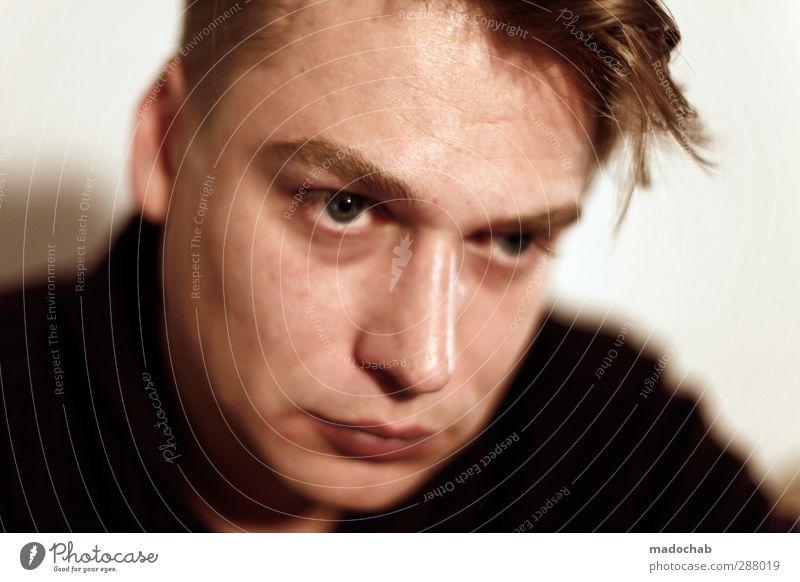 Portrait junger Mann Blickkontakt schön maskulin Junger Mann Jugendliche Erwachsene Kopf Haare & Frisuren Gesicht 1 Mensch 18-30 Jahre 30-45 Jahre Gefühle