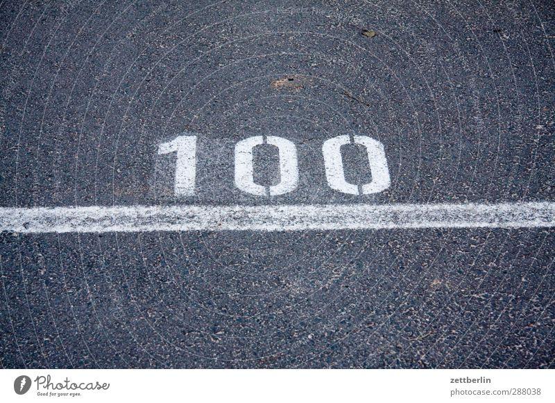 100 Straße Linie Schilder & Markierungen Schriftzeichen Ziffern & Zahlen Zeichen Ziel Asphalt Verkehrswege Typographie werfen 100 Verkehrsschild Verkehrszeichen Ziellinie