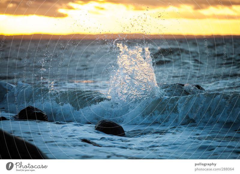 splash (2) Ausflug Abenteuer Freiheit Sommerurlaub Meer Wellen Umwelt Natur Landschaft Wasser Himmel Wolken Horizont Schönes Wetter Wind Küste Ostsee Stein