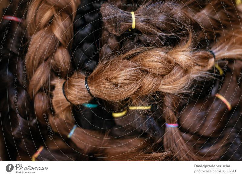 Schachtel mit geflochtenem Haar für eine Krebsspende Almosen Haarlocke Perücke Behaarung Spende anbieten Brustkrebs-Spende Krankheit Chemotherapie