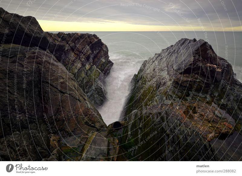 tube Himmel blau Meer Wolken Winter Landschaft grau Küste Felsen Horizont braun Wetter Röhren Schlucht