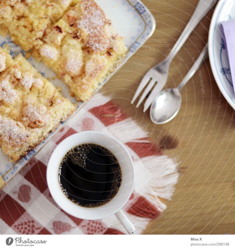 Kaffeevogel Lebensmittel Geburtstag Tisch Ernährung Getränk süß lecker Frühstück Kuchen Geschirr Tasse Teller Tischwäsche Besteck Gabel