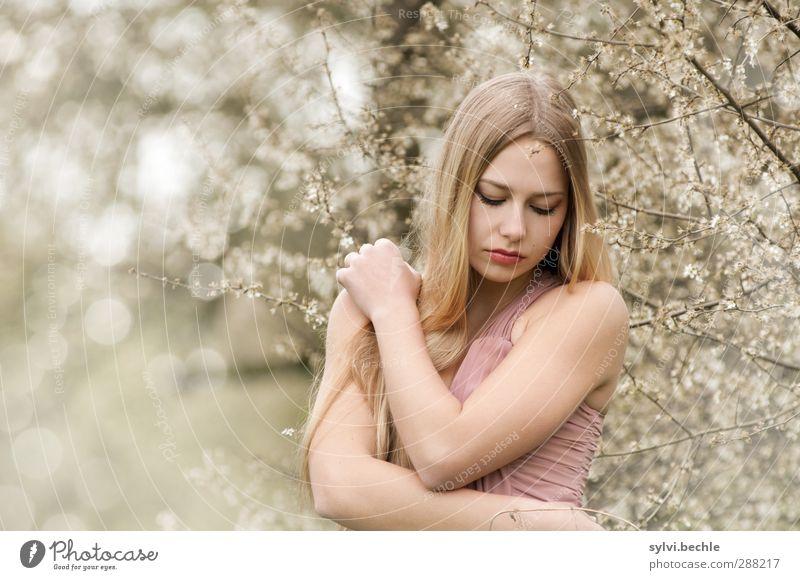 remember spring elegant schön Haare & Frisuren ruhig Mensch feminin Junge Frau Jugendliche Leben 1 18-30 Jahre Erwachsene Umwelt Natur Pflanze Frühling Sommer