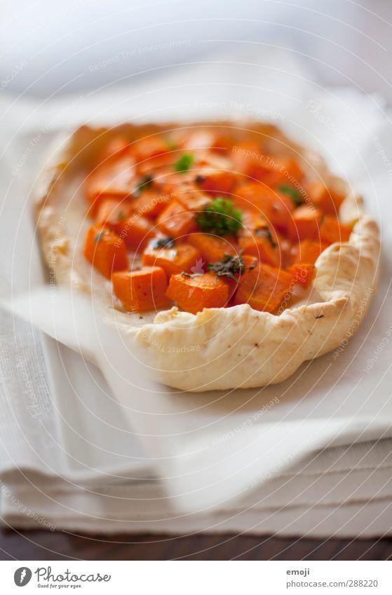 Kürbis Gemüse Teigwaren Backwaren Kuchen Ernährung Bioprodukte Vegetarische Ernährung Teller Gesundheit lecker Farbfoto Innenaufnahme Nahaufnahme Menschenleer