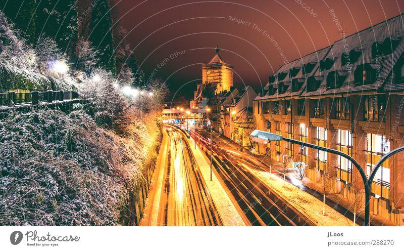 Citylights-Freiburg gelb Bewegung Zeit Schneefall Deutschland außergewöhnlich Fassade Energie Europa Warmherzigkeit ästhetisch gut positiv Kleinstadt Parkhaus
