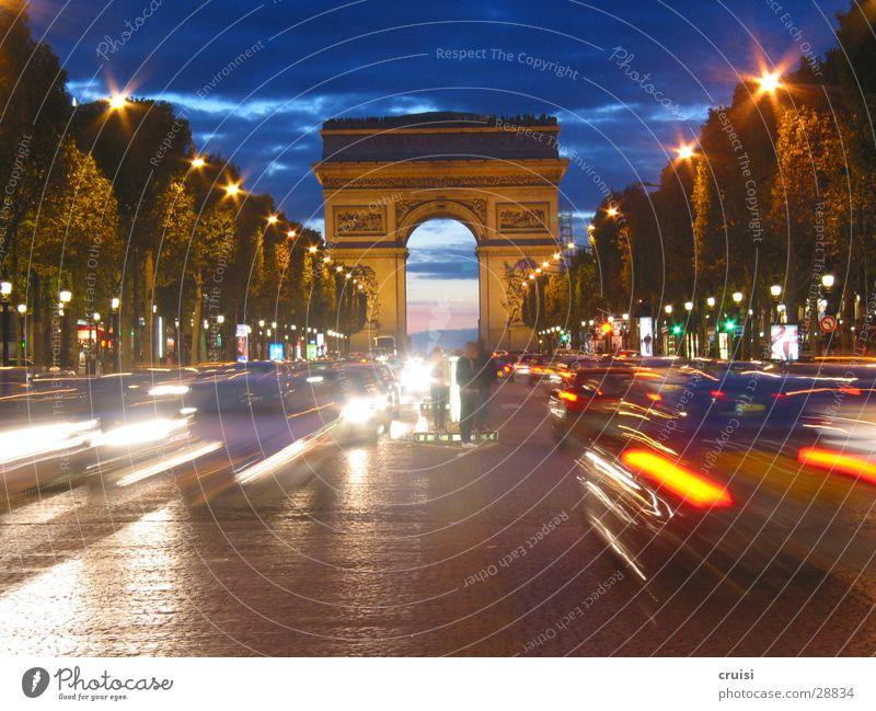 Arc de Triumph Paris Champs-Elysées Nacht Verkehr Geschwindigkeit Unschärfe Bauwerk beeindruckend Frankreich Europa Arc de Triomphe Abend Himmel PKW blau
